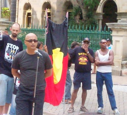 andrew-boe-speaking-at-parliament-house-on-invasion-day-rally-2007.jpg
