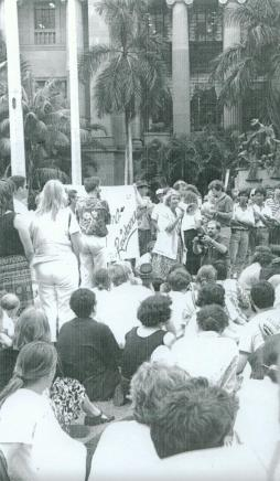 cheryl-kernot-speaking-at-an-anti-gulf-war-rally-in-king-george-square-brisbane-1991