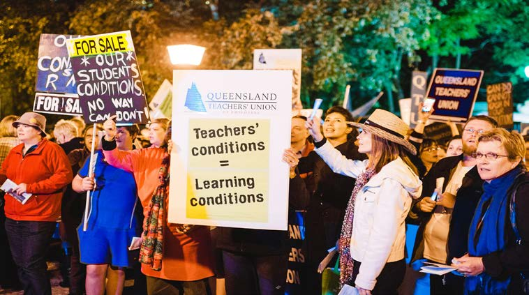 Rallies against QldGovernment
