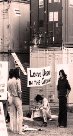 Uranium Picket at Hamilton Wharf in August 1977 - 2