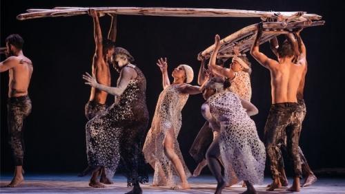 dark-emu-bangarra_pictured-bangarra-dance-theatre-ensemble_credit_daniel-boud_52-e1532665111183-500x282