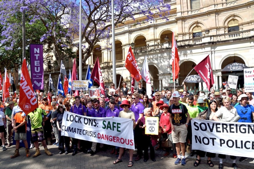 Queensland Parliament bans extra-parliamentary opposition tocoal