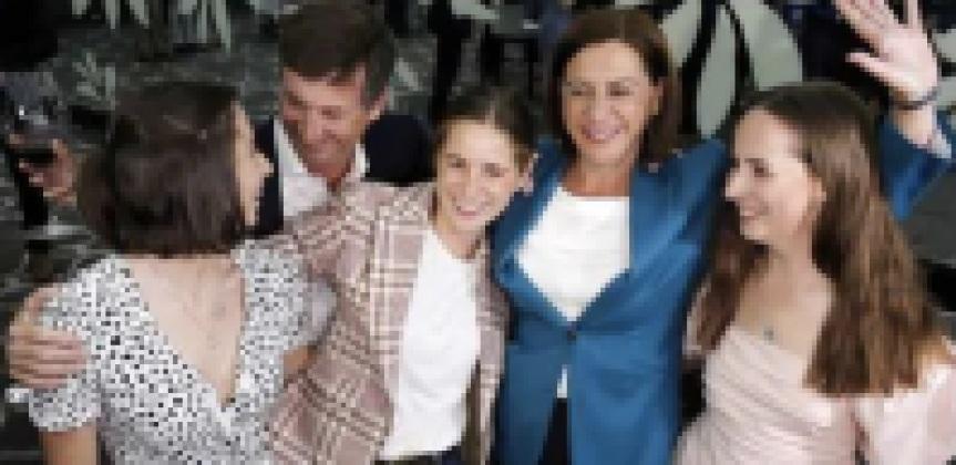 Deb Frecklington & family